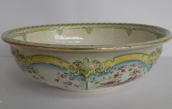 Large Victorian decorated bowl
