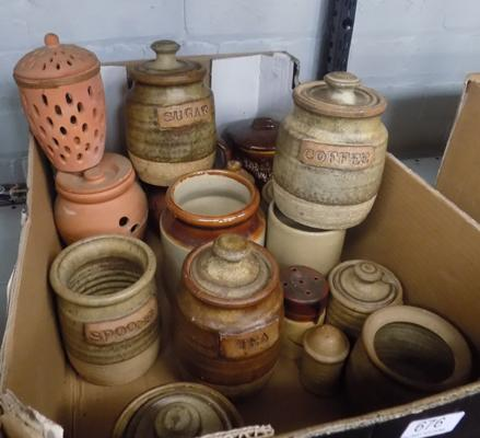 Box of stoneware