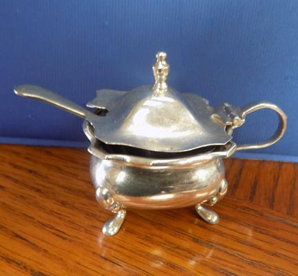 Silver condiment pot fully hallmarked