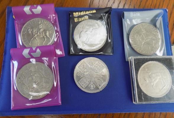 6 Collectors coins inc one dollar coin