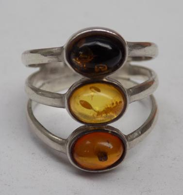 925 Silver 3x stone Baltic Amber ring size O1/2 hallmarks to outside of band