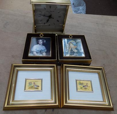 London Comp. carriage clock + 4 collectable pictures