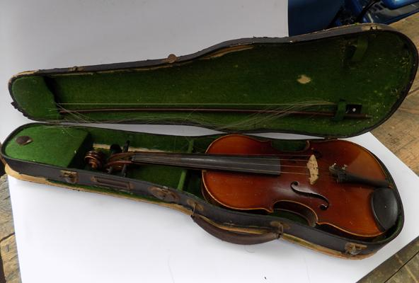 Violin in case-damage to case & bow needs re-hairing