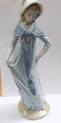 "Nao Genteel lady with shawl 12"" high-no damage"