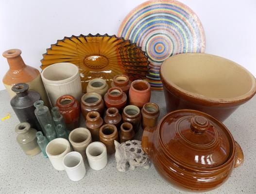 Box of stoneware & glass items