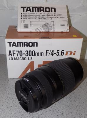 Tamron camera lens AF70-300 4-5.6 Di LD marco 1/2 for Canon boxed/ papers