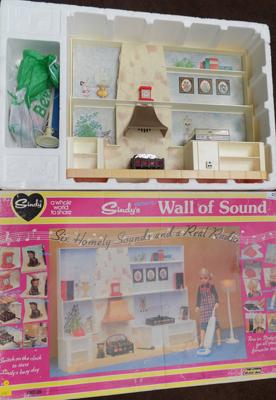 Sindy's Wall of Sound, complete in box