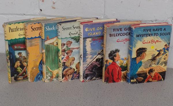 7x Enid Blyton books with dust jackets