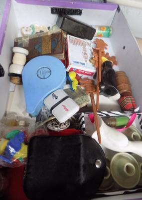 Box of mixed collectables inc Bakelite etc