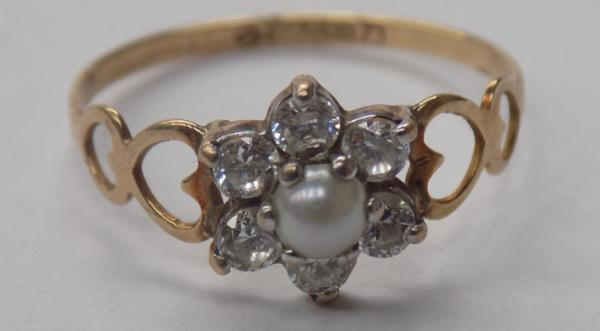 9ct Gold CZ & pearl cluster ring, heart shoulders size P1/2