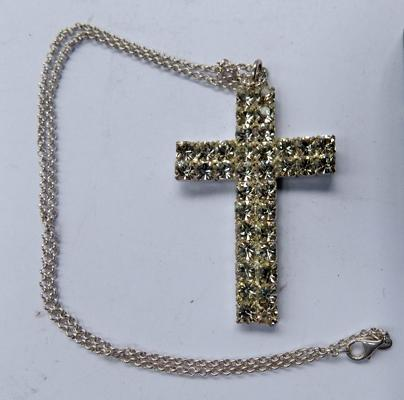 "Silver chain 15"" & large cross pendant"