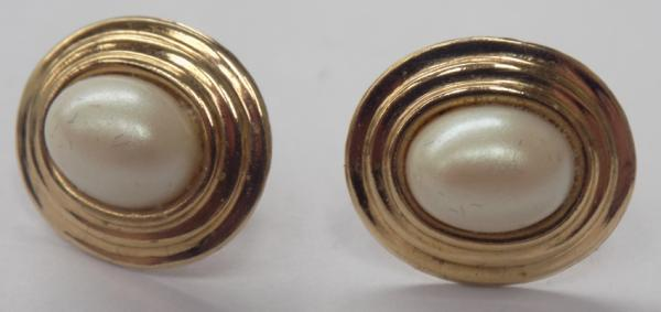 Pair of 9ct gold faux pearl earrings