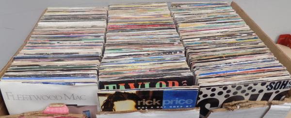 Box of records approx. 500