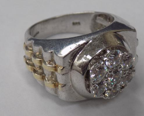 Heavy solid silver ring-unusual style, hallmarked Sheffield 925 TJC