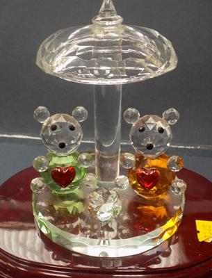 Detailed cut glass ornament on stand - bears with big hearts