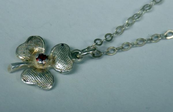 Sterling silver 'Lucky' three leaf clover necklace with red centre stone - approx. 18""