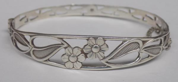 Sterling 925 silver floral pattern bangle, hallmarked Sheffield
