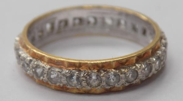 9ct Gold full eternity ring-size M1/2