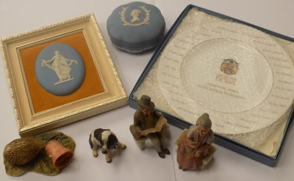 Selection of collectable ceramics, incl Wedgwood & Japser ware