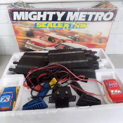Mighty Metro Scalextric incl. 2 cars