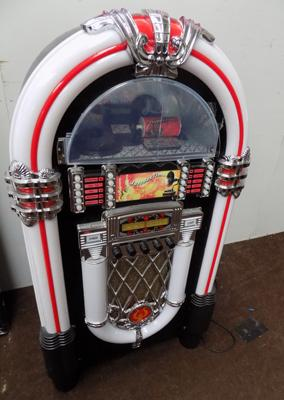 Itek juke box model 160008 CD and radio with multi-coloured lights and remote W/O