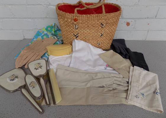 Bag of vintage collectables, incl. ladies gloves, dressing table set etc...