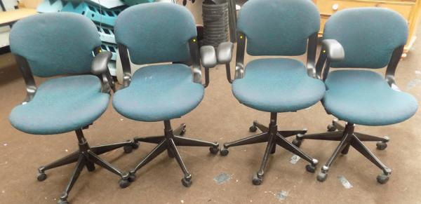 4 Herman Muller office chairs incl. 2 with arms