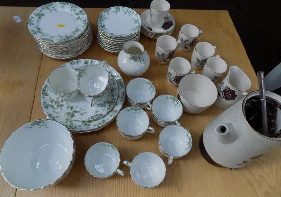 Box of mixed crockery, incl. part coffee set