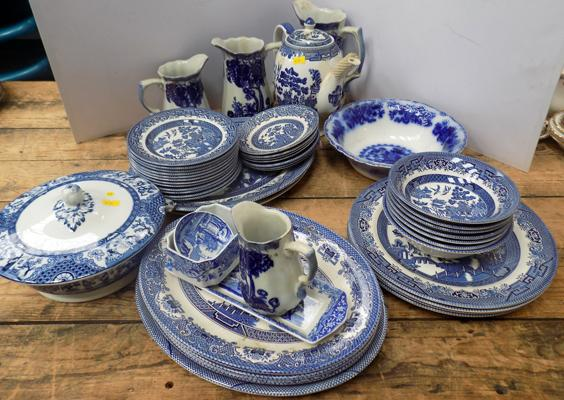 Large selection of blue and white pottery incl. Spode