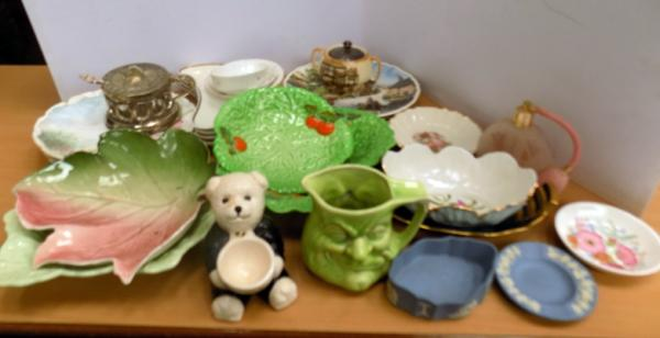 Selection of mixed pottery incl. Wedgwood