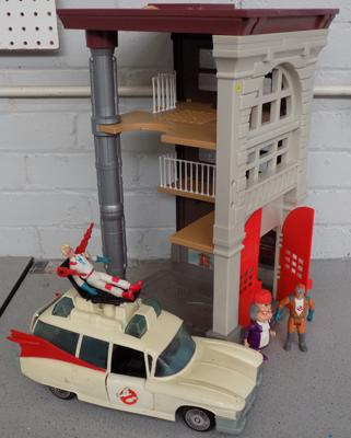 1980's Ghostbusters Firehouse Ecto-1