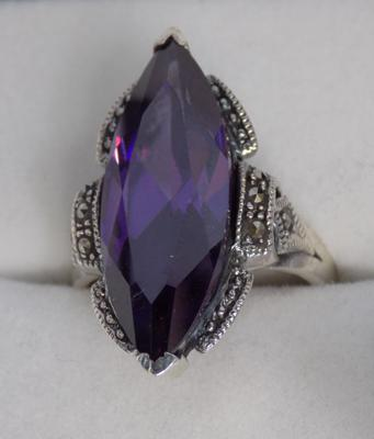 Silver amethyst and marcasite ring
