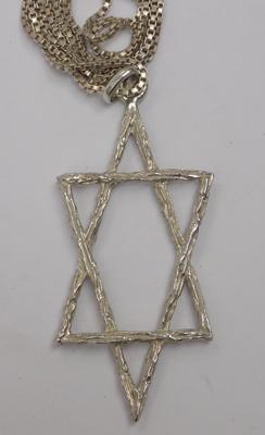 Sterling 925 silver 'Star of David' pendant on silver chain - approx. 16 inch chain & 2 inch pendant