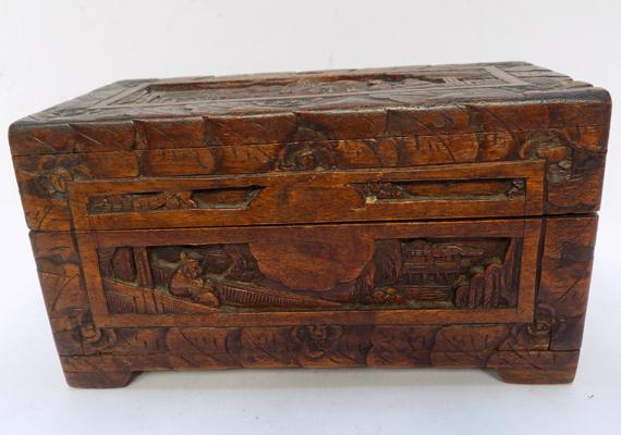 Vintage ornate treen box with oriental theme