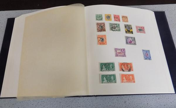 Commonwealth/World stamps in well filled binder