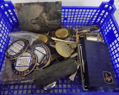 Tray of mixed collectables inc Rotary badges