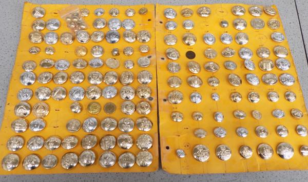 Large selection of Military buttons