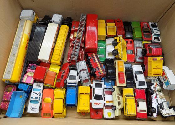 Box of diecast cars, incl two James Bond