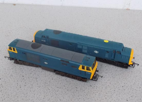2x 00 Locomotives-freight