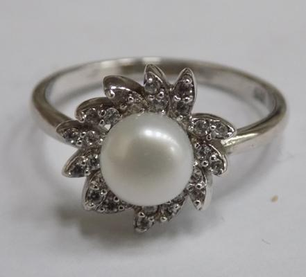 925 silver ring with real pearl & zirconia stones, size approx. N