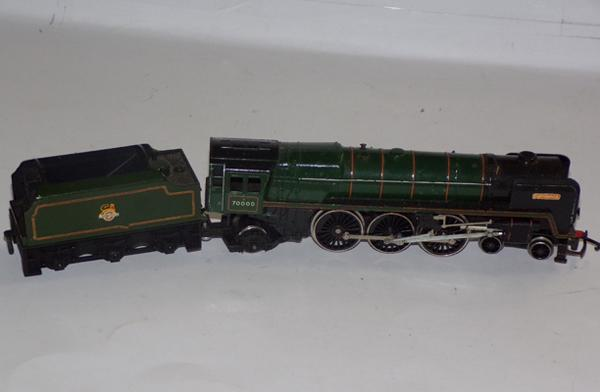 00 Guage locomotive & tender Britannia
