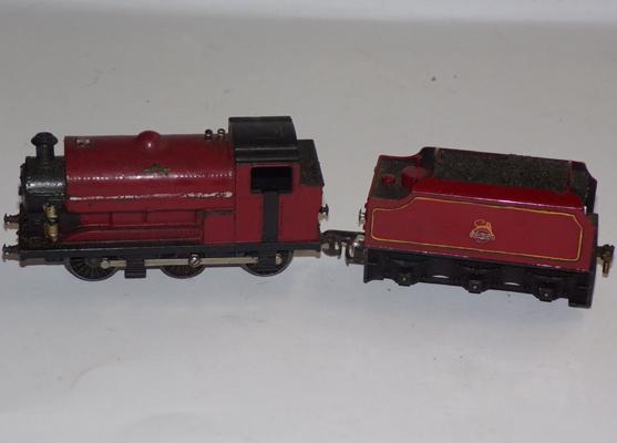 00 Guage locomotive & tender