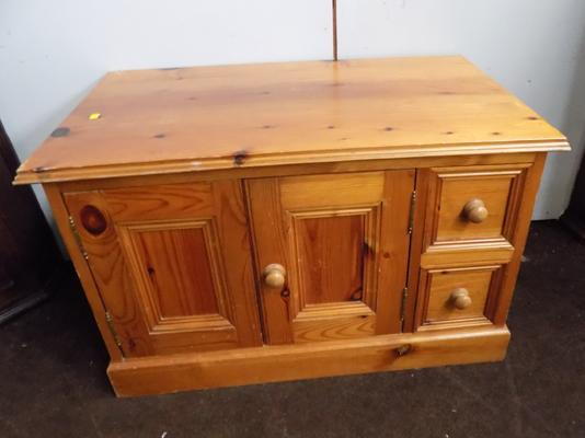 Pine cupboard drawer unit