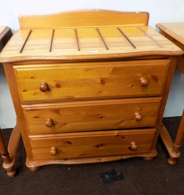 3 Drawer pine unit