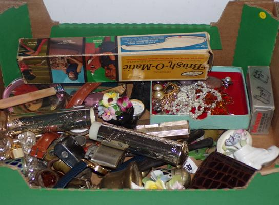 Box of vintage collectables incl. lighters, watches, brassware, jewellery, pocket watch etc...