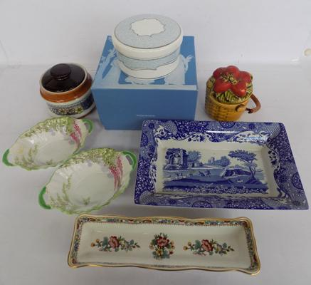 Box of mixed pottery inc Wedgwood, Spode, Coalport etc