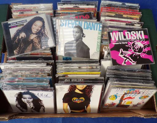 Box of approx. 100 R&B and Soul CD's