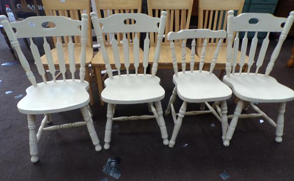 4x farmhouse style pine chairs