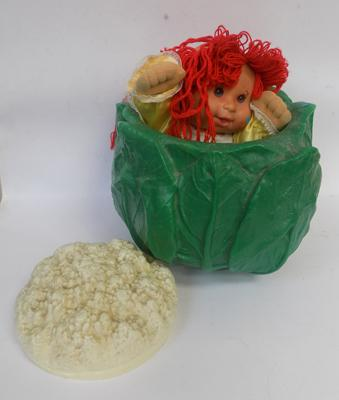 Old 1984 EFFE doll & Cabbage container, made in Italy
