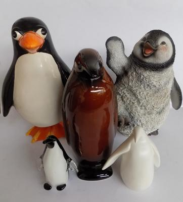 5 assorted penguins